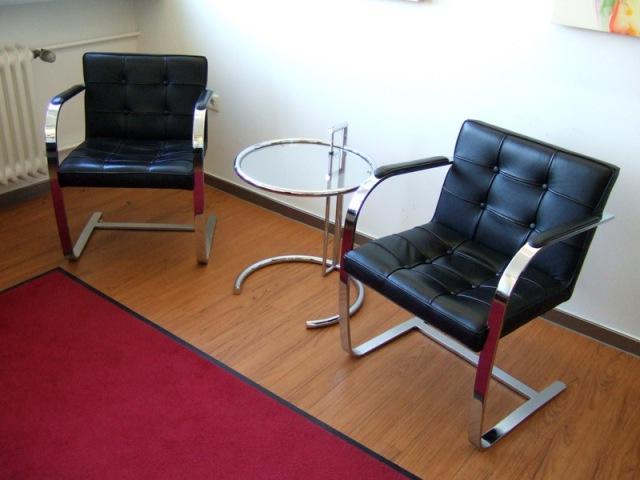 mies van der rohe brno stuhl stuhlwelt. Black Bedroom Furniture Sets. Home Design Ideas